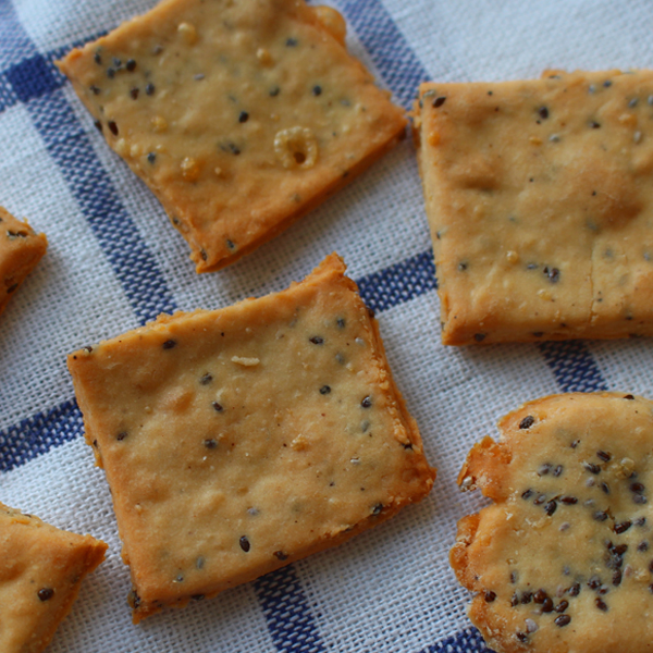 3 seed crackers